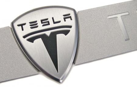 Tesla Motors приглашает на работу хакеров